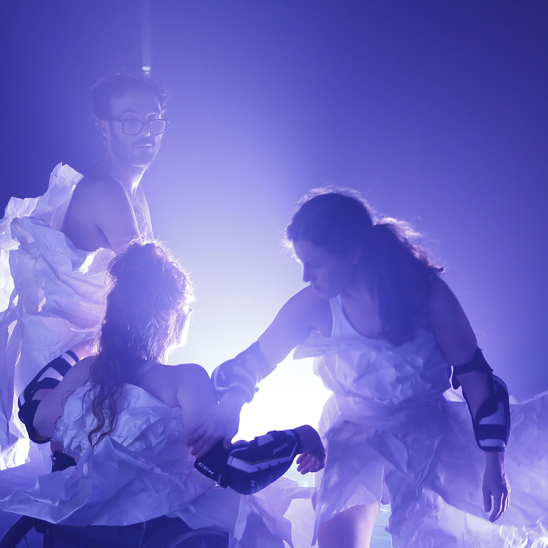 Bild för föreställningen Skirtpower. Foto: Patrik Gunnar Helin