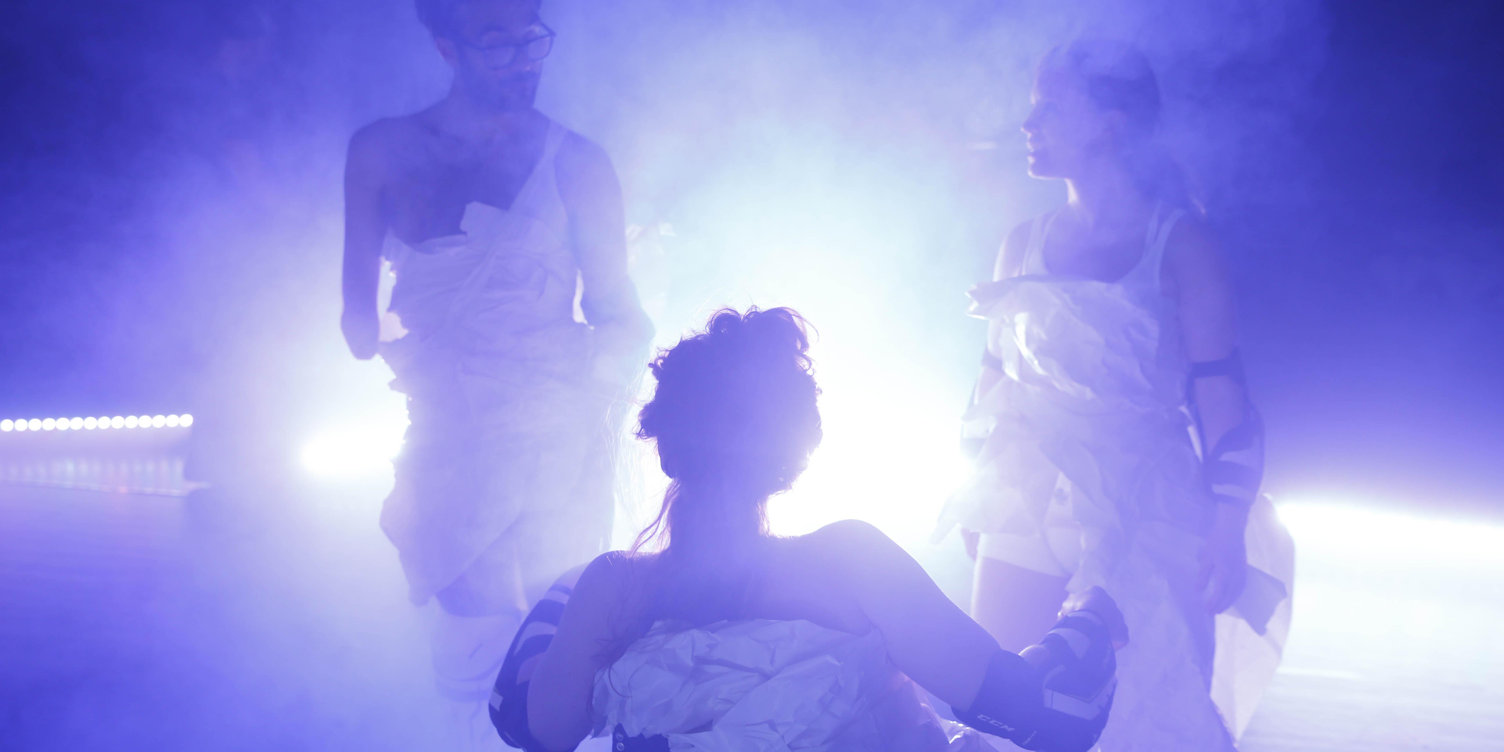 Bild från föreställningen Skirtpower. Foto: Patrik Gunnar Helin