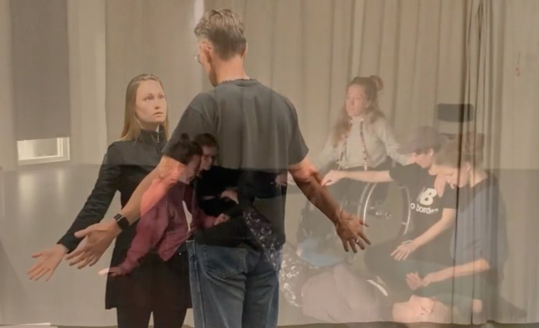 Image for the project Att skriva dansen och dansa skriften. The image depicts the participants during rehearsals at Spinnstudion in 2019.